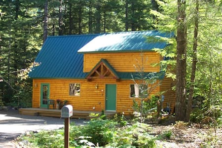 Mt Hood Cabin has Hot Tub & Fireplace - Chalet
