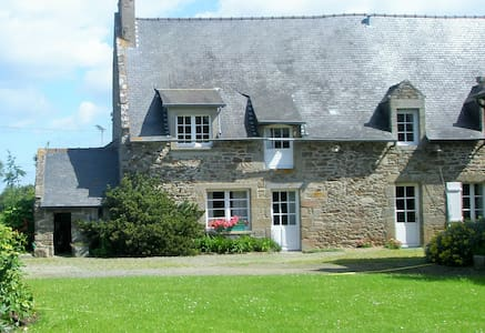 Vacation rental in St Coulomb - Ev