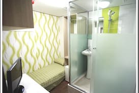 Picture of shower room F