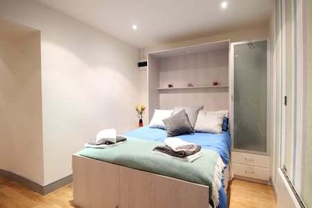 Studio Flat Just off Park Row - extremely central. - Leeds - Appartement