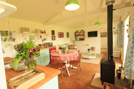Wooden cabin with views on farm, Somerset - Devon - Brompton Ralph - Casa de campo