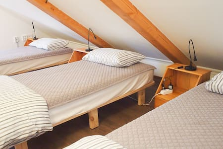 bed in 3 bed female dorm 무아게스트하우스  Mua guesthouse - Ssanggyo-dong, Namweon