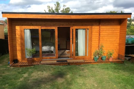 Large Cabin accommodation. - Cabin