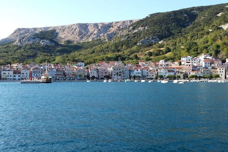 Charming apartment in port of Baška - Wohnung