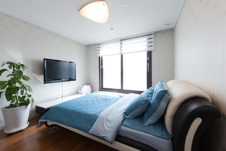 Cozy Double room in a highrise flat - Apartmen