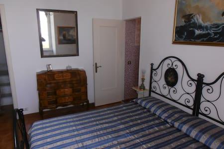 La Castella ( ex torre avvistamento saraceni) - Apartment