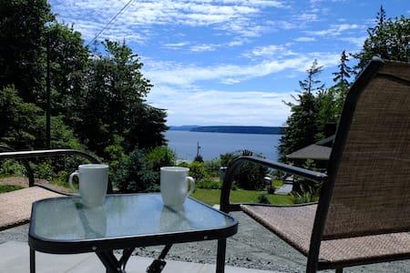Cozy Romantic Ocean View Cottage - Hus