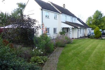 Spacious private annex in picturesque village home - Aynho - Bed & Breakfast
