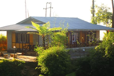 Lamthang Eco Hut- A traveler's Destination - Pelling - Hut