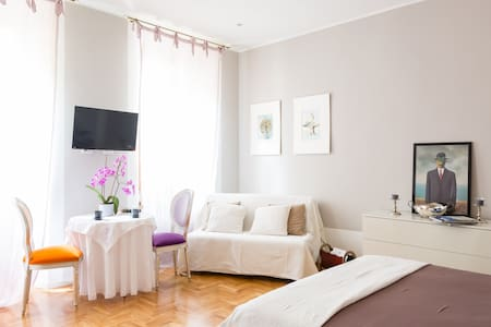 Room Suite Rome (in the Heart)x2/4 - Roma - Bed & Breakfast