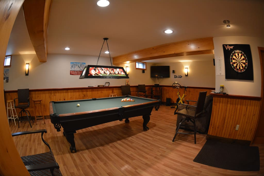 Game room- pool, darts and ping pong