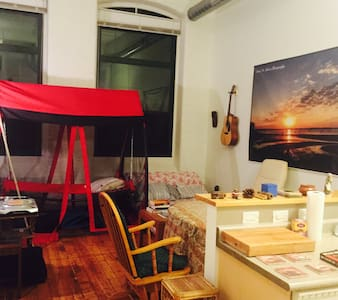 Private 2 story loft apartment close to downtown - Providence - Loft