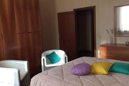 Room GIUDITTA @ Villa Giuditta: quiet countryside - Villa