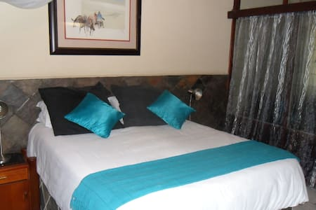 African Lily Self Catering Family Room 4persons - Phalaborwa