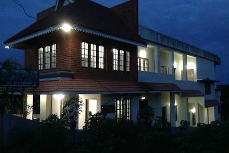 Palm Escape Resort - Large Rooms - Kovalam