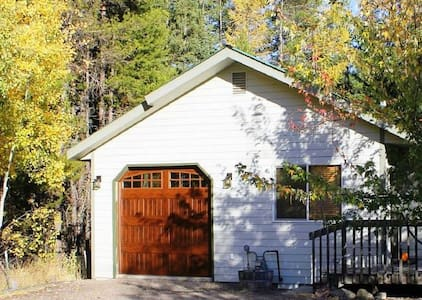 Glacier Edge Retreat- Great Price! - Hungry Horse - House
