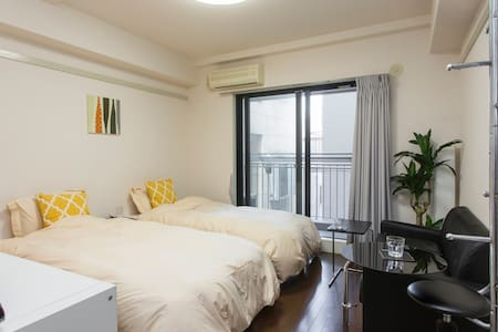 An apartment is the downtown area in a center of Fukuoka, so the access is also good and very convenient!  There is also a hot spring around here!