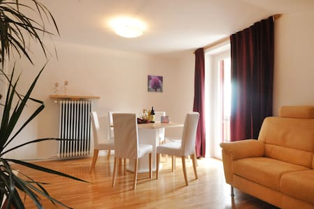 Melanie´s Guesthouse - Apartemen