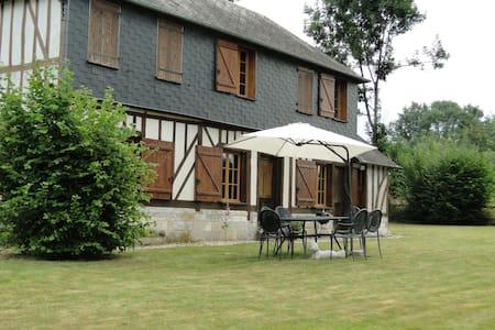 Très belle longère normande - House