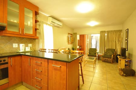 One Bedroom Self Catering Apartment - Appartement