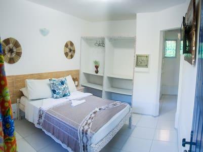 Lugar de paz a um minuto do agito e da praia. - Porto Seguro - Bed & Breakfast