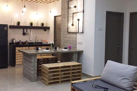 ThemeStay @ Cafe House (USJ 1) - Subang Jaya