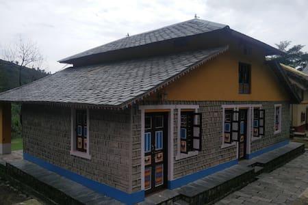 Traditional eco-friendly 3BHK Kangra Village House - Palampur - Lakás