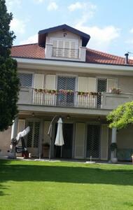 appartamento luminosissimo in villa privata - Villa
