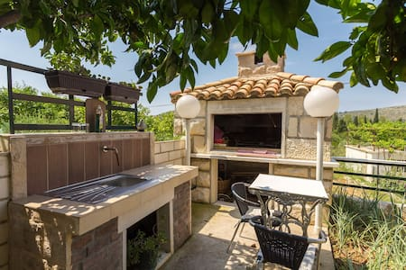 Rent a room 7 km from Dubrovnik - Mlini