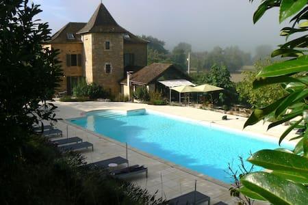 Hotel** de charme tranquille - Naussac - Bed & Breakfast