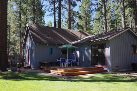 Inviting cabin in great location - South Lake Tahoe - House