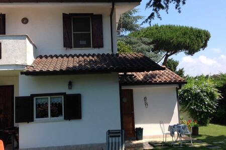 Villetta in Affitto Sabaudia Località Bella Farnia - Villa