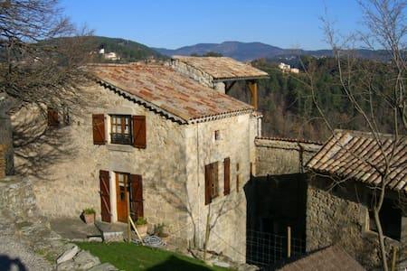 Maison en pierres Sud Ardèche - House