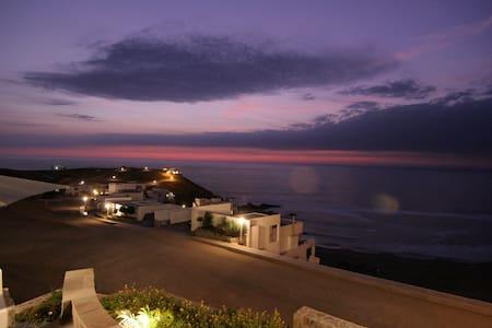 Casa de Playa en Asia - km 116.6 - 獨棟
