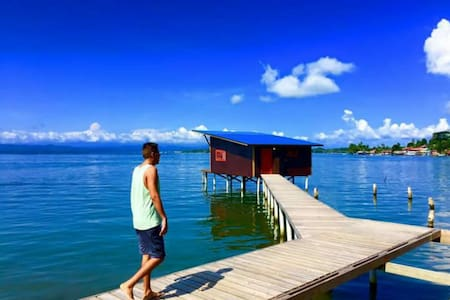 Sea Monkey: Isla Bastimentos Overwater Bungalow 2 - Bastimento - Bed & Breakfast