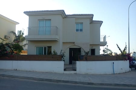 Two storey house with pool +garden - Σπίτι