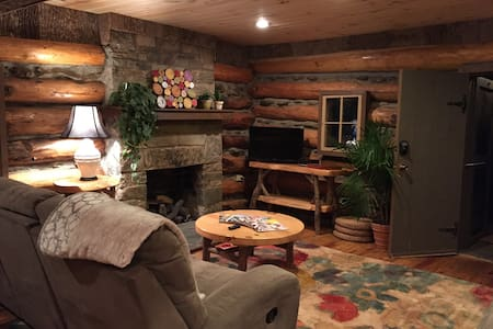 Log Cabin between Boone & BannerElk - House