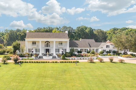 21,000 Sq Ft Luxury Southern Mansion and Estate - Ooltewah - Other