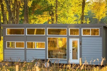 Modern tiny house close2everything - House