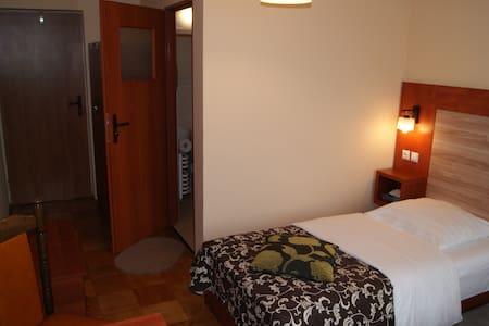 pokój 2-osobowy z łazienką - Lomza - House