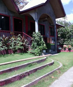 Family Home Near Anilao Batangas - Huis