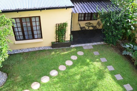 Garden cottage in Melville - House