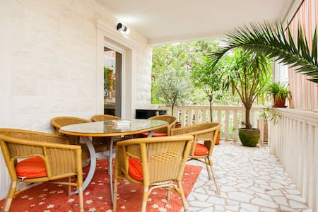 "Apartment With Garden ""Budva Lux"" - Budva"