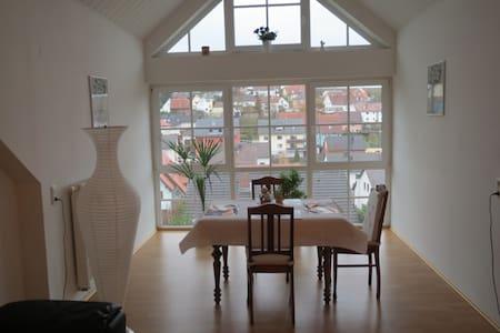 Neu! Schöne Ferienwohnung mit Flair - Appartamento