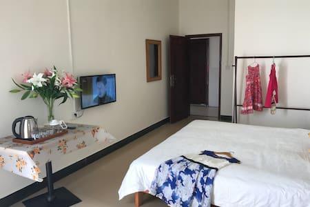 306房三亚海棠湾酒店式公寓,独立阳台卫生间厨房拎包入住,近301医院海边菜市场超市公交站及海边酒店 - Sanya
