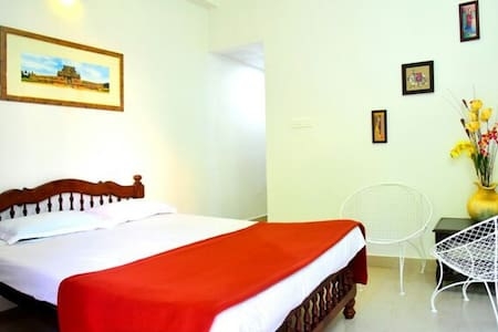 AC Room all facilities Auroville - Periyamudaliarchavady