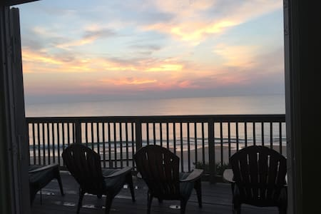 A Florida Ocean Front House Directly On the Ocean! - Flagler Beach - House