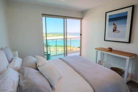 Luxury on Wallis Lake - Forster