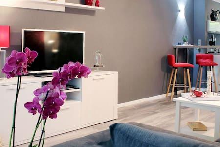 Modern und stilvoll eingerichtete Projektwohnung - Oldenburg - Condominio