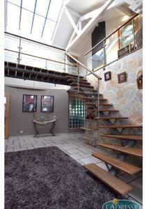 Grande maison bord de l'eau - Maison